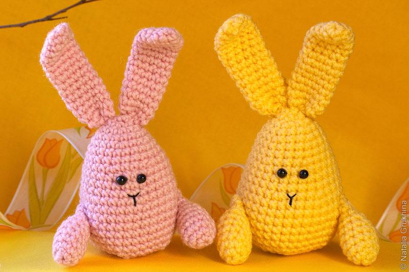вязаные крючком пасхальные кролики