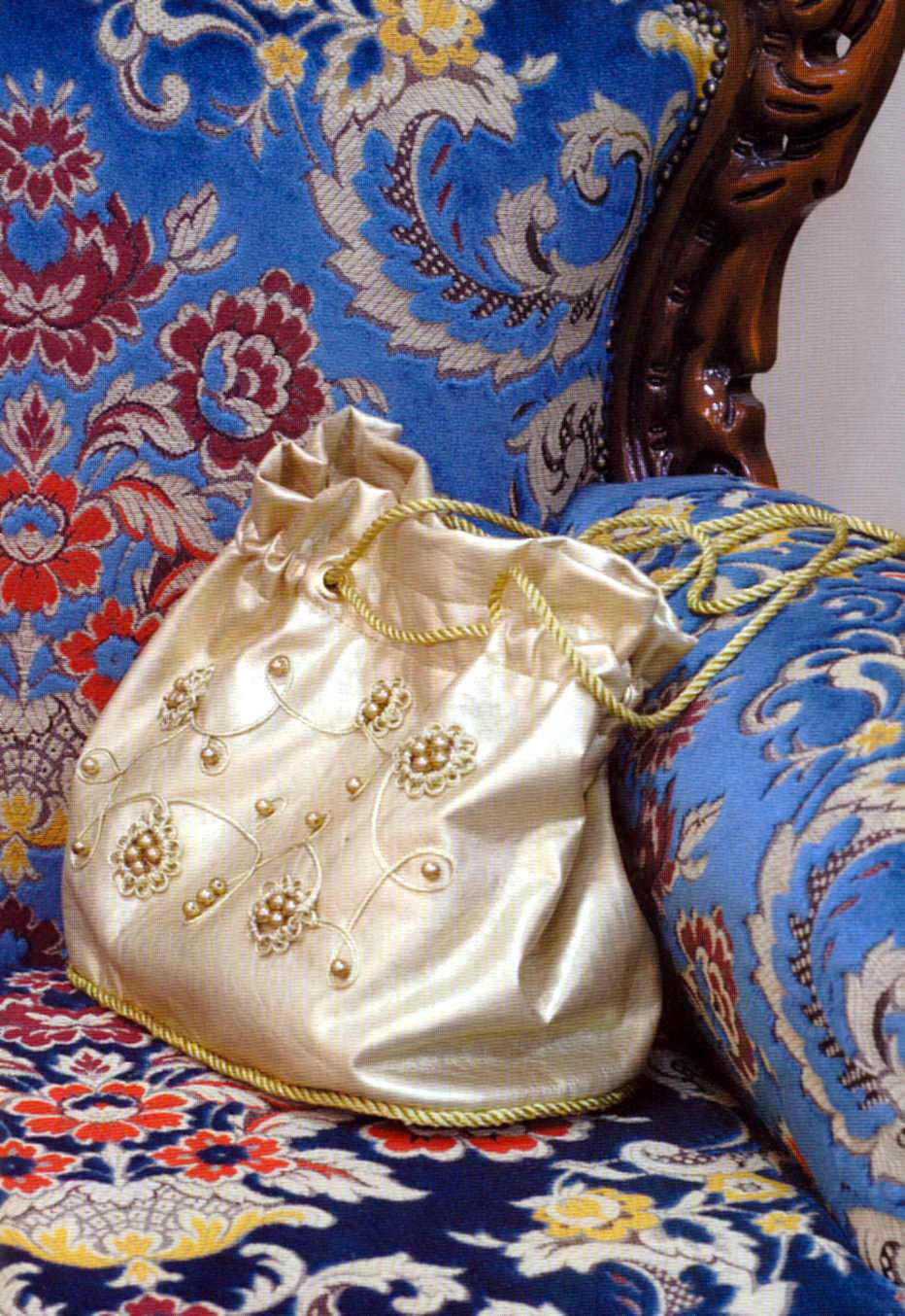 Золотистая кожаная сумка своими руками
